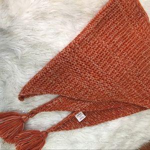 Triangle pompon scarf